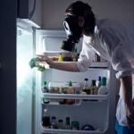 cleaning-fridge